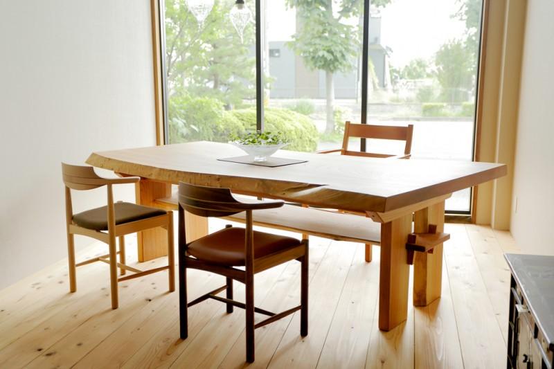 table_keyaki